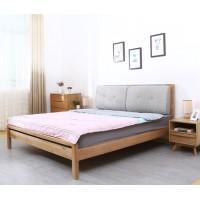 Кровати с подушками